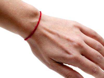 bracelet fil rouge kabbale